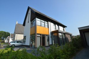 2828-drijvers-oisterwijk-nieuwbouw-woonhuis-modern-dakpannen-bakstenen-houten-gevel-ramen-deuren-14